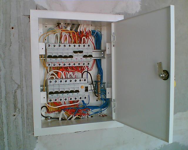 Оборудование электрощитка на даче своими руками